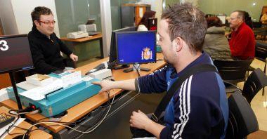 Cómo y dónde renovar el pasaporte en Valencia